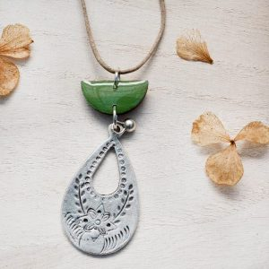 Silver wood necklace