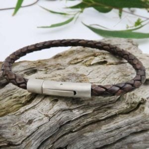 Bracelets mens brown 2