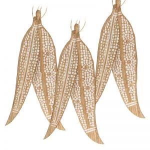 indigenous leaf pack decoration