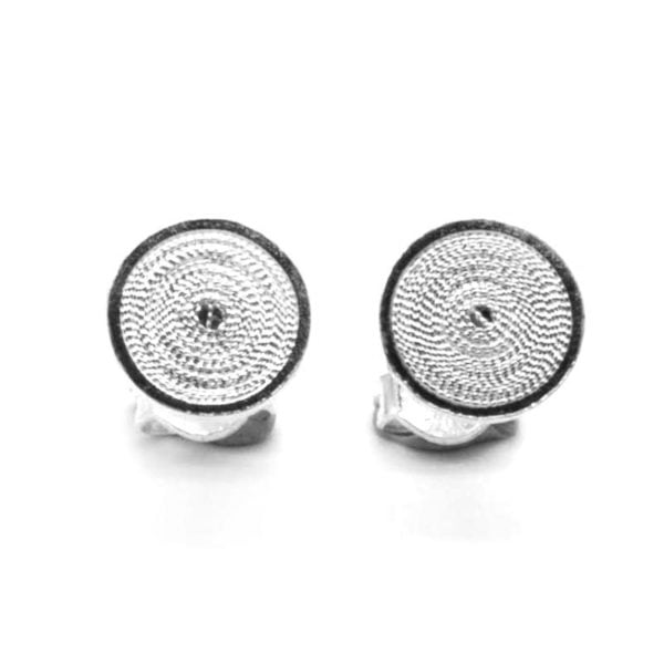 circles filigree studs