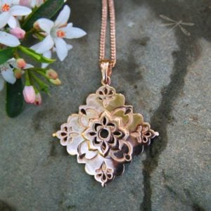 rose gold pendant intuition
